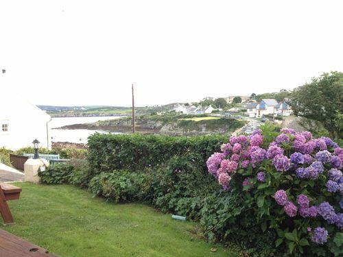 IsleOfAnglesley SeasidePubView